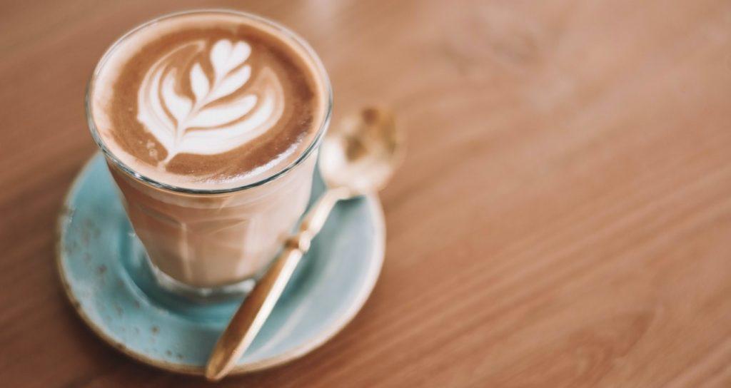 De kracht van een koffietje doen